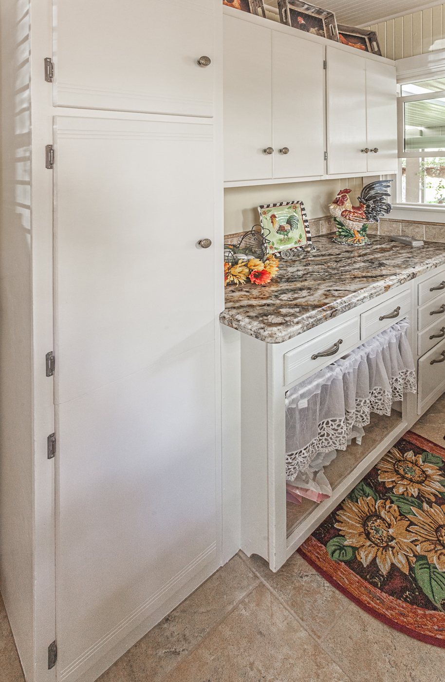 Kitchen Case Study (White Country Cabinets)