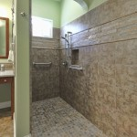 Curbless / doorless shower